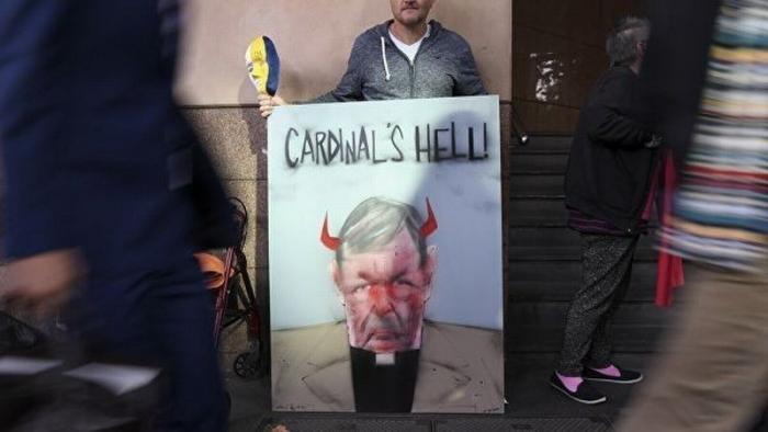 В США раскрыли шокирующие тайны церкви: сотни педофилов в рясах и тысячи детей