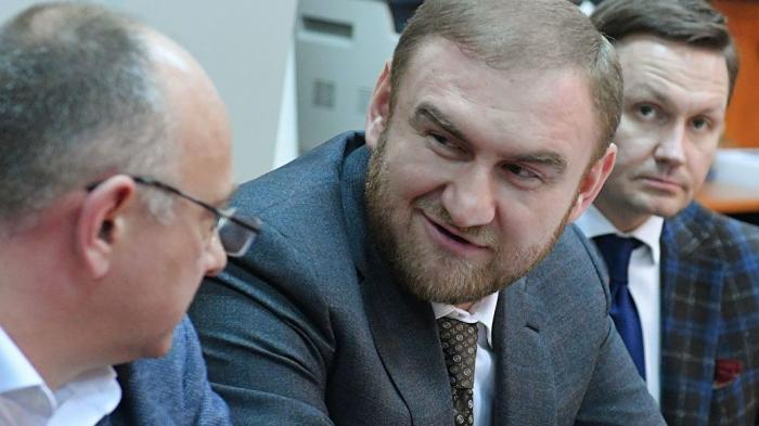 Бандита Рауфа Арашукова лишили статуса сенатора