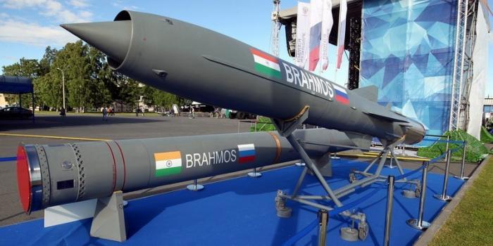 Новая российско-индийская ракета BrahMos успешно поразила наземный объект