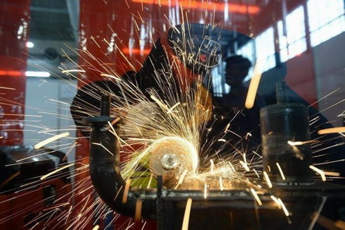 Рост промышленного производства вРоссии вапреле ускорился до4,9%