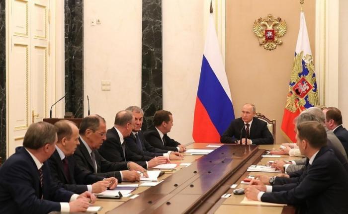Владимир Путин провёл совещание с постоянными членами Совета Безопасности 24.05.2019