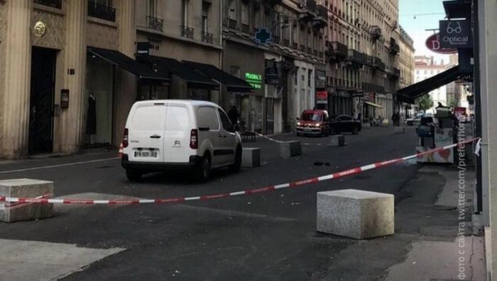 Взрыв в Лионе: взрывное устройство, нашпигованое гвоздями и болтами, подбросил велосипедист