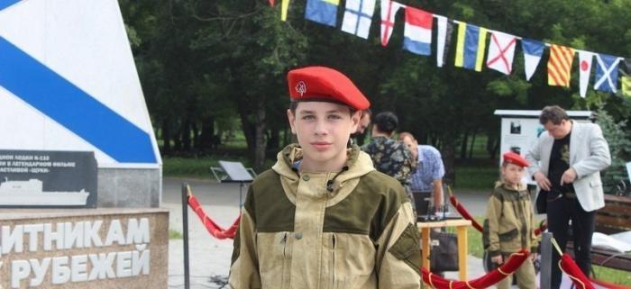 Дима Новоселов не думал о славе, он просто прыгнул в холодную воду. Он спас двоих, а сам погиб