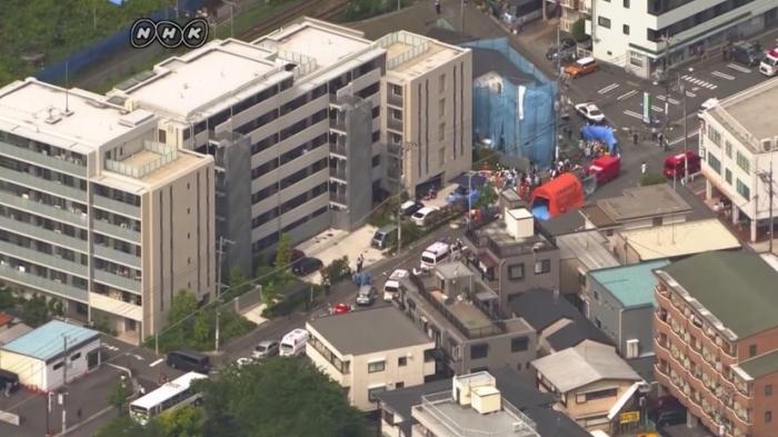 В японском городе Кавасаки мужчина с ножами напал на группу школьников, есть жертвы