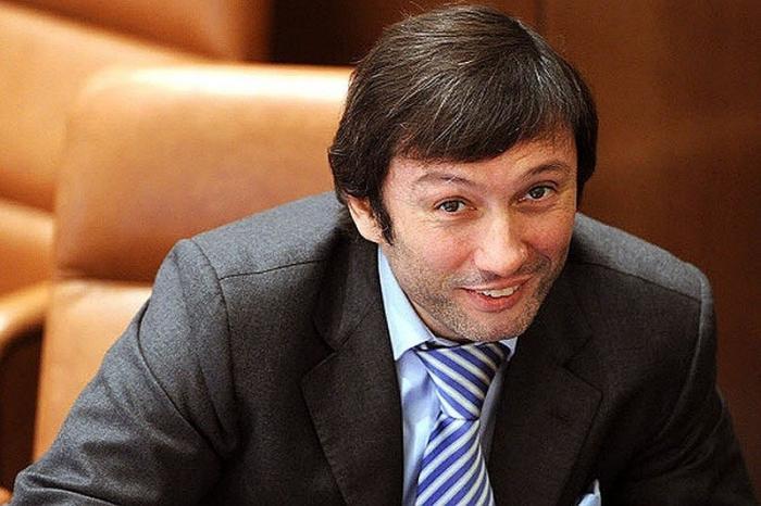 Максим Кавджарадзе – в Совете Федерации оказывается полно уголовников и мошенников
