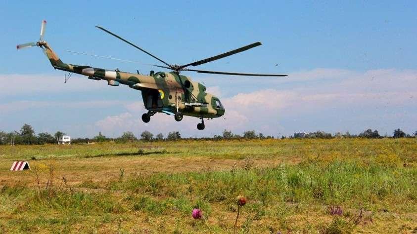 Вертолет Ми-8, разбившийся на Украине, загорелся после падения