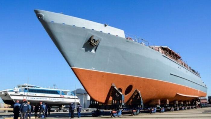В Петербурге спустили на воду крупнейший в мире композитный боевой корабль