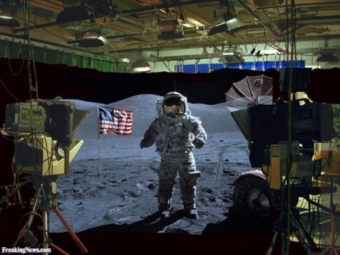 Ассанж ответил на арест, раскрыв фэйк США о «полёте на Луну» видео доказательствами