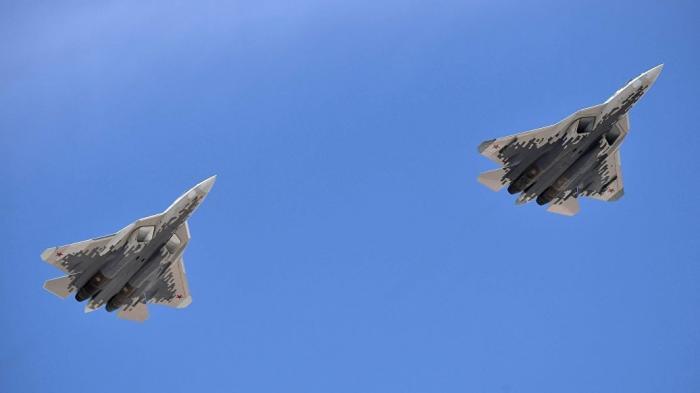 Летчик-испытатель рассказал о характеристиках и преимуществах Су-57