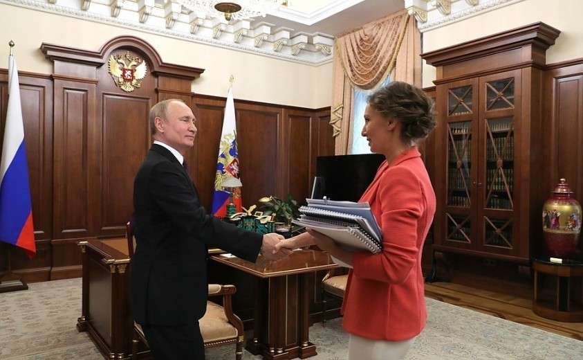 С Уполномоченным при Президенте по правам ребёнка Анной Кузнецовой.
