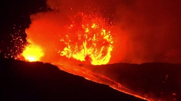 В Италии извергается вулкан Этна – крупнейший действующий вулкан Европы