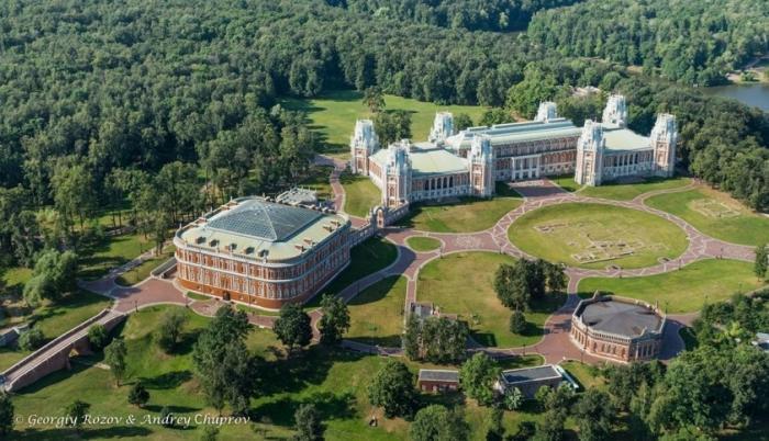20 лучших парков Москвы, где можно погулять в столице России