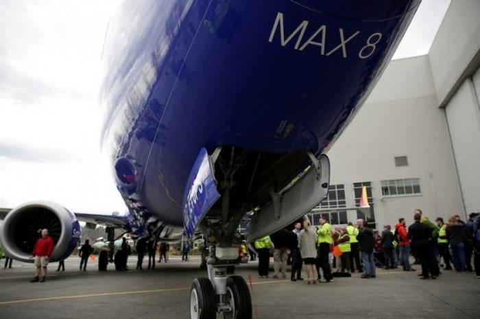 В 312 самолётах моделей Boeing 737 обнаружили бракованные детали