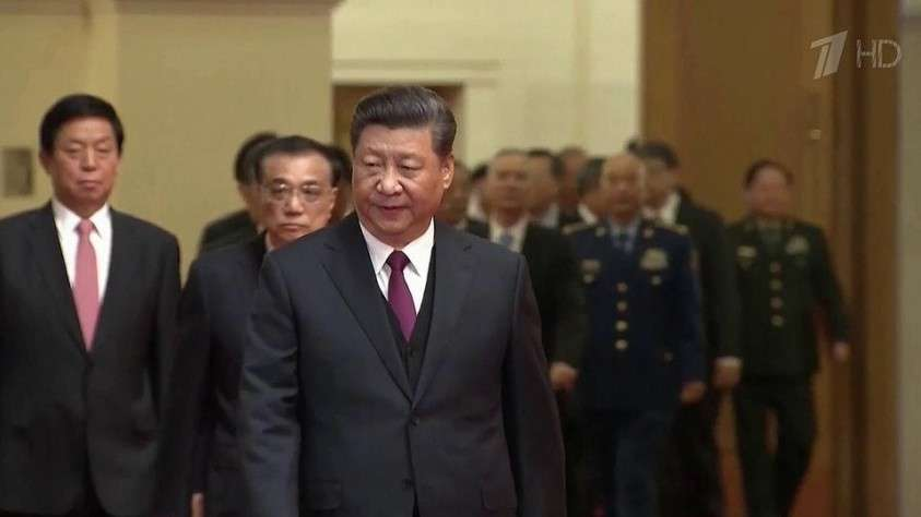 Си Цзиньпин приехал в Москву с дипломатическим визитом