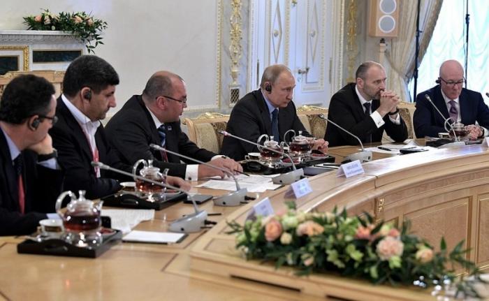 Владимир Путин встретился с руководителями ведущих мировых информационных агентств