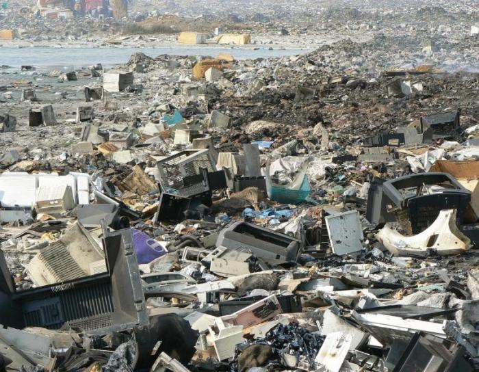 Европа засыпает токсичным мусором один из крупнейших городов Африки – Лагос