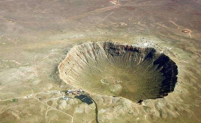 ТОП-8 гигантских кратеров Земли, вызвавших катаклизмы -9 фото-