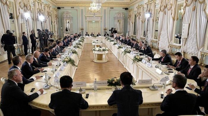 Владимир Путин встретился сэкспертным советом РФПИ илидерами международного инвестсообщества