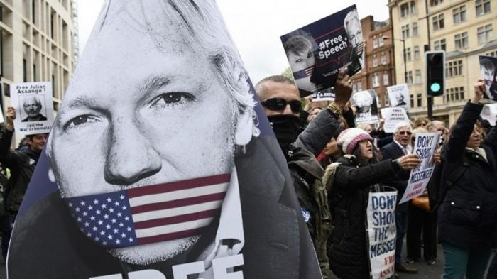 Викиликс: Минюст США подготовил новые обвинения против Ассанжа