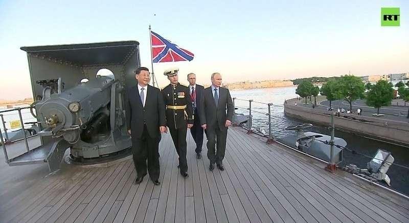 Лидеры России и Китая посетили