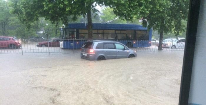 Севастополь оказался под водой: «Мы плывем, а сейчас будем нырять»