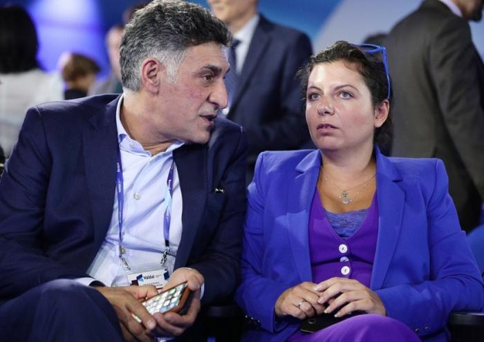 Угроза выкидыша: муж Симоньян отреагировал на нападки Соболь