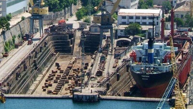 Севастопольский морской завод, ранее принадлежавший Порошенко, отойдет российскому государству