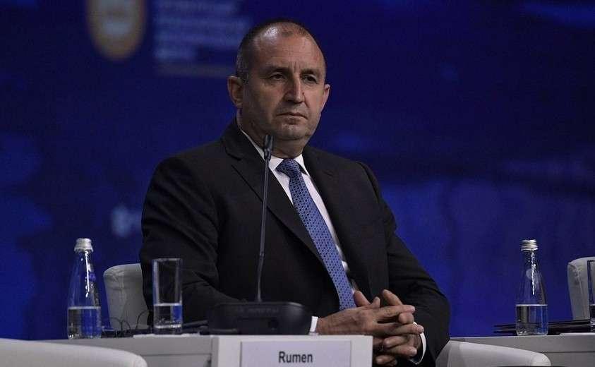 Президент Болгарии Румен Радев на пленарном заседании Петербургского международного экономического форума.