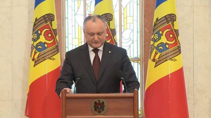 В Молдавии президента Игоря Додона отстранили от власти