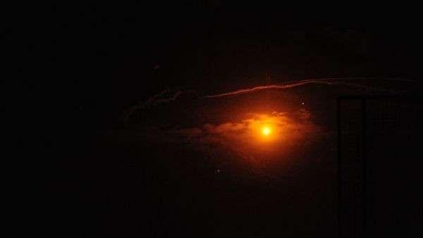 Cирийские средства ПВО отражают удар израильской армии.