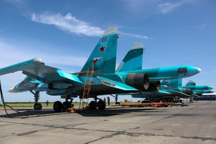 Три новых Су-34 прибыли в авиаполк ЦВО вЧелябинской области
