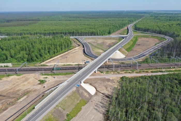 Санкт-Петербург. Новый путепровод вЛенобласти соединил 4 федеральные дороги
