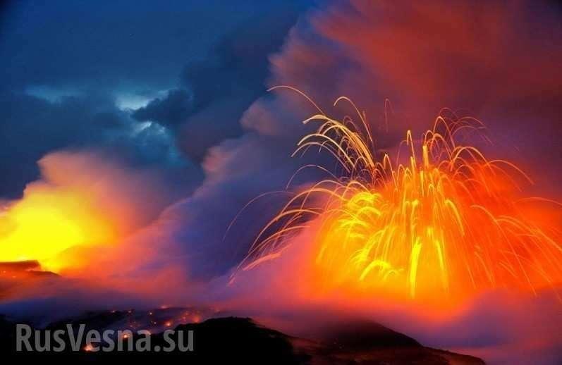 Извержение «древнего монстра», спавшего несколько сотен лет, – впечатляющие кадры (ФОТО, ВИДЕО)
