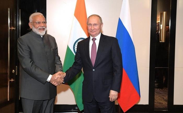 Владимир Путин в Бишкеке встретился с Премьер-министром Индии Нарендрой Моди
