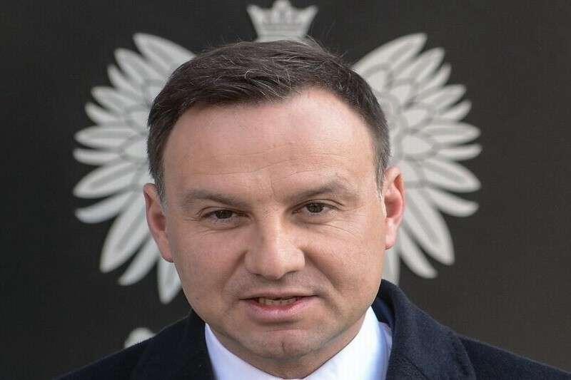Президент Польши Дуда гордится тем, как поляки храбро сдались немцам во время Второй мировой