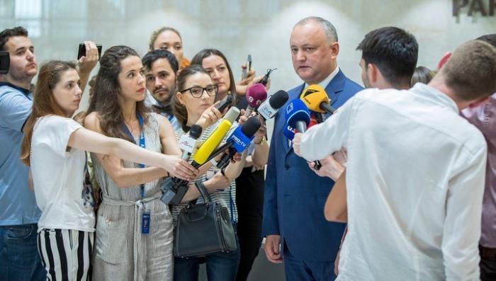 Политический кризис в Молдавии. Плахотнюк жаловался на Додона хозяевам из США