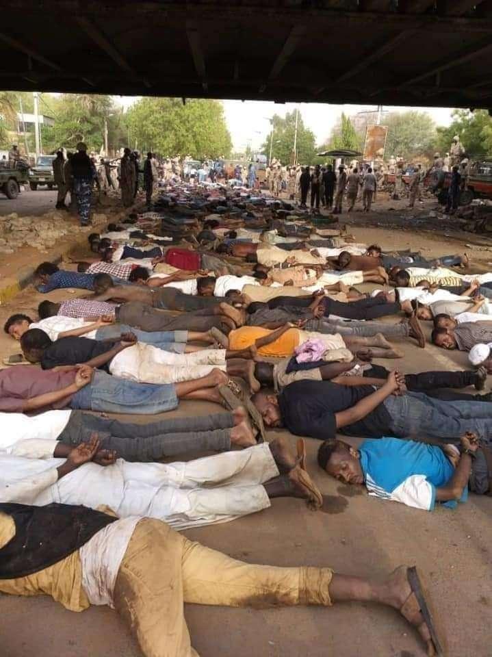В Судане военная хунта подавила попытку военного переворота