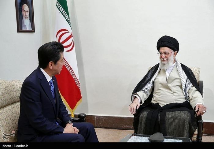 5 сильных ответов Лидера исламской революции Аятоллы Хомейни на запросы Трампа