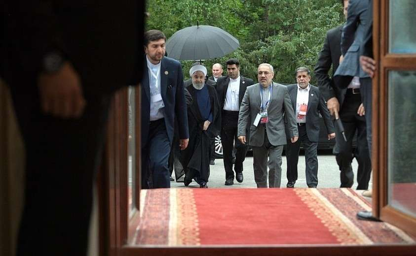 Президент Исламской Республики Иран Хасан Рухани прибыл на встречу с Владимиром Путиным.