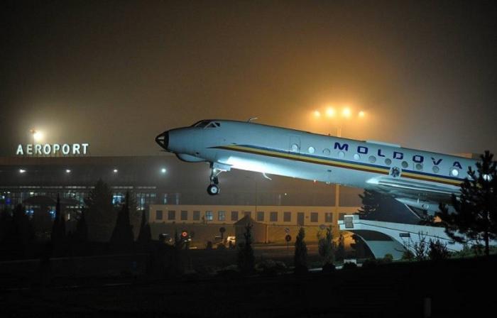 Сторонники олигарха Плахотнюка улетают из Молдовы на самолётах