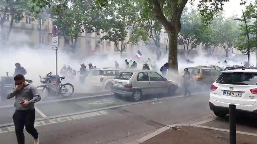 Во Франции прошла 31-я акция Жёлтых жилетов: долой Макрона!