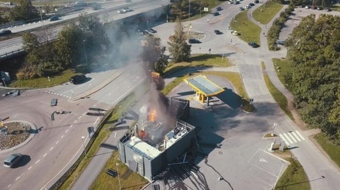 Взрыв водородной заправки в Норвегии превратил 500 автомобилей в недвижимость