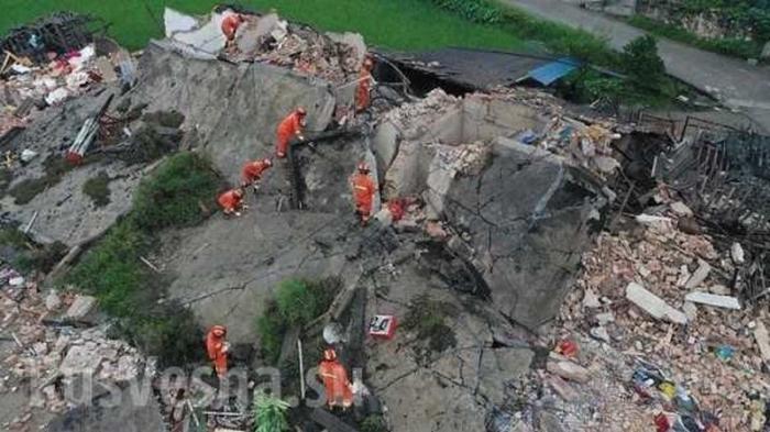 Мощное землетрясение вКитае: значительные разрушения, есть погибшие