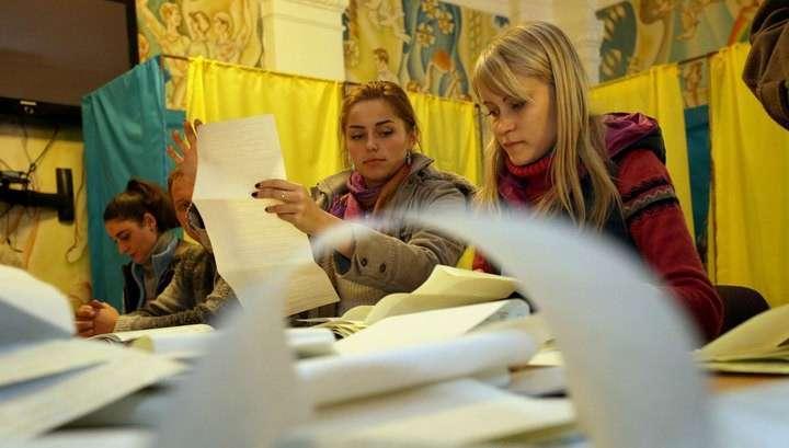 Выборы в Верховную раду: Украина считает голоса