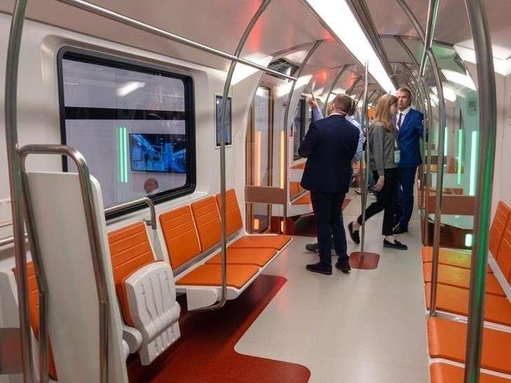Новый поезд «Вагон 2020» представили в петербургском «Экспофоруме»