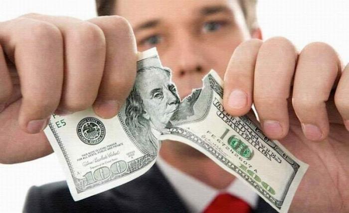 Даже союзники США массово избавляются от долларовых активов
