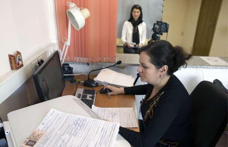 Медведев утвердил новый регламент получения водительских прав