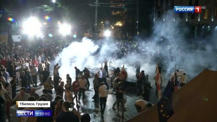 Бой у здания парламента в Тбилиси подготавливал резидент центра русофоба Маккейна