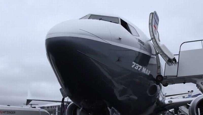 Более 400 пилотов подали коллективный иск против компании