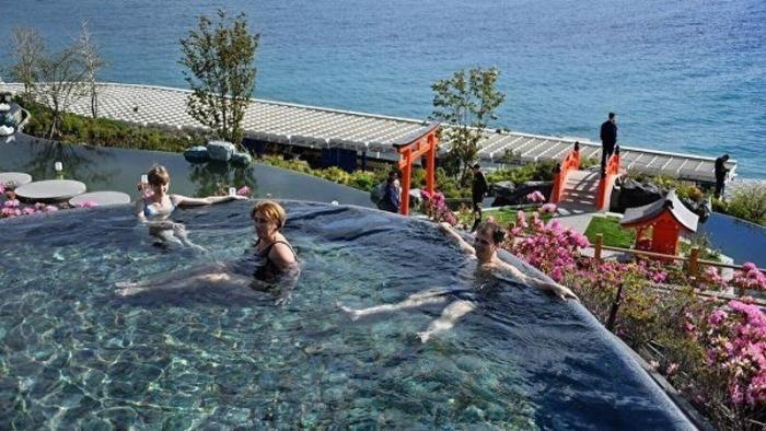 Самые популярные морские курорты России для отдыха самостоятельных туристов в июле и августе